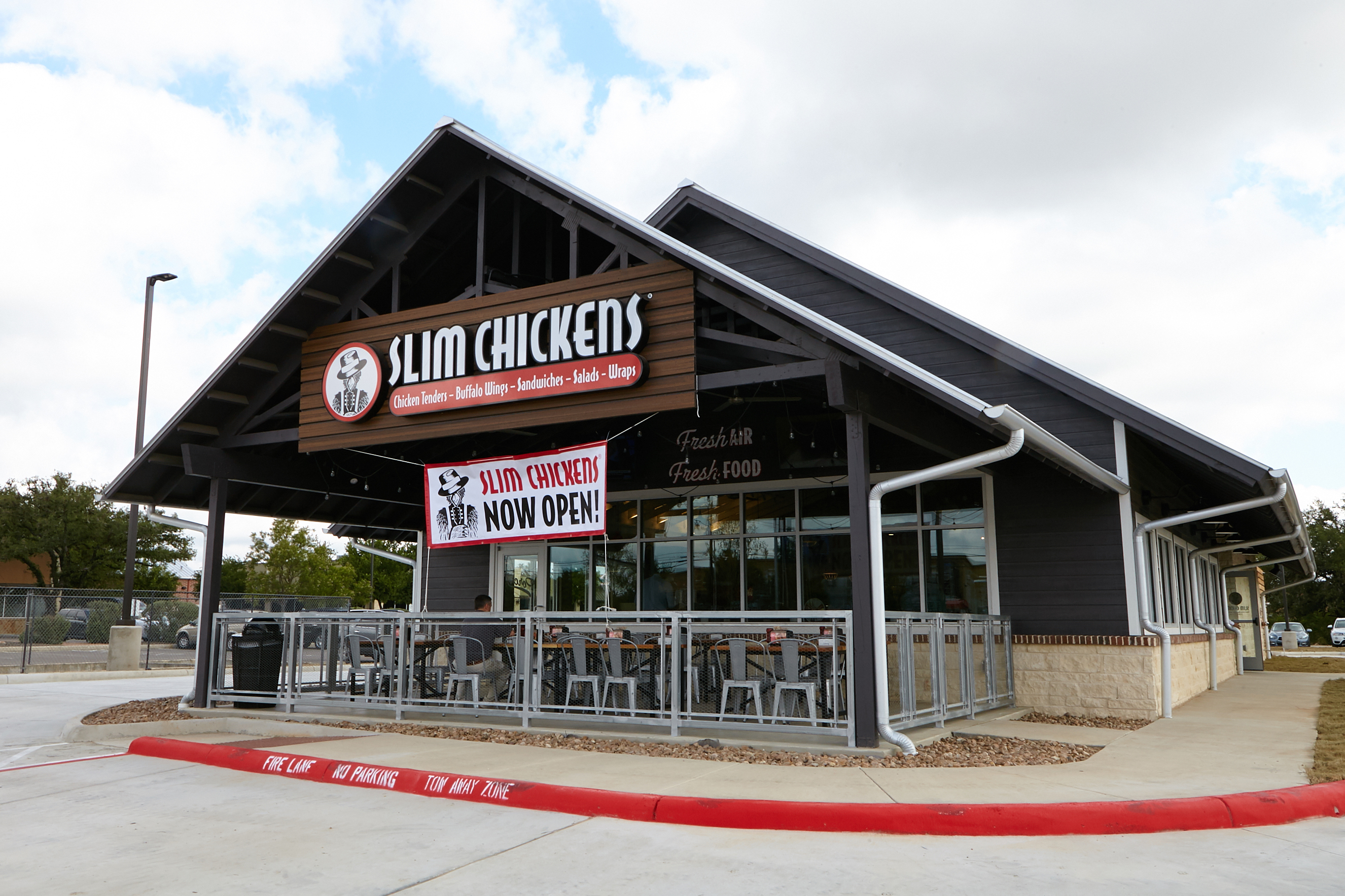 Slim Chickens Opens in Helotes